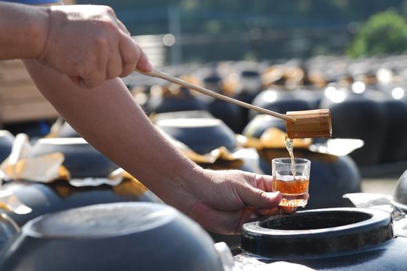 鹿児島の壺造り黒酢